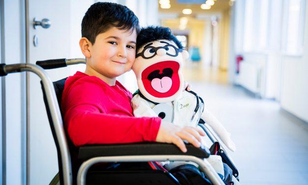 Dr. Dago: Eine Puppe, die Kindern Mut macht.