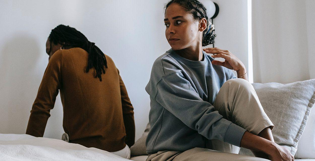 Unlust in Beziehungen: Sex-Verzicht wegen Stress, Selbstzweifeln und fehlender Initiative